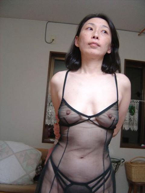 孕ませたくなるドスケベな下着した人妻のエロ画像wwwwwwwwww 2374