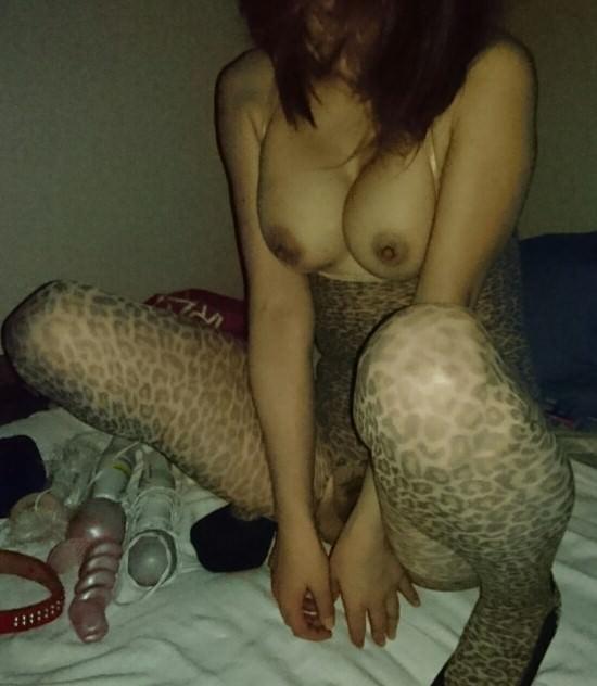 孕ませたくなるドスケベな下着した人妻のエロ画像wwwwwwwwww 2378