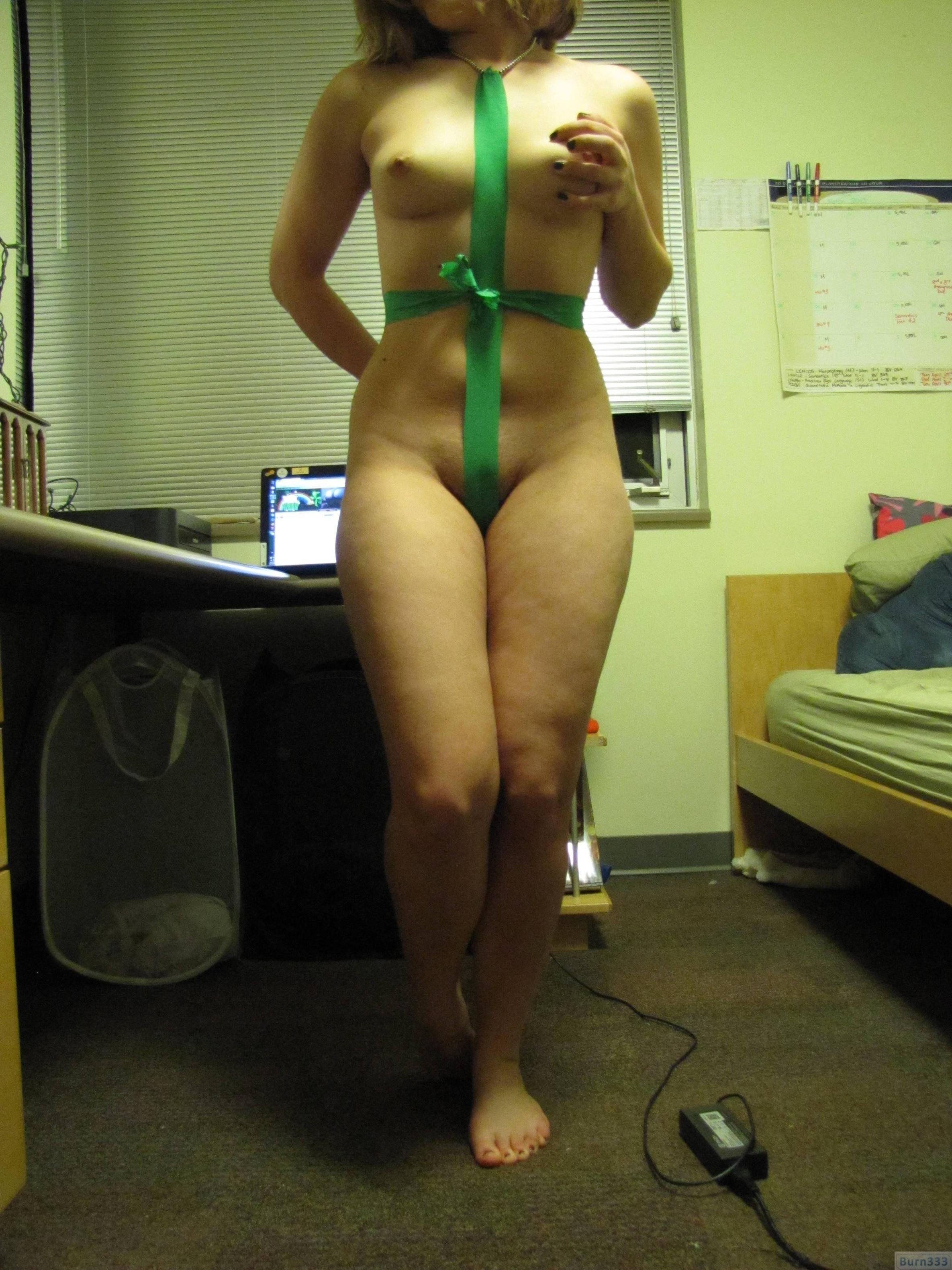 孕ませたくなるドスケベな下着した人妻のエロ画像wwwwwwwwww 2383