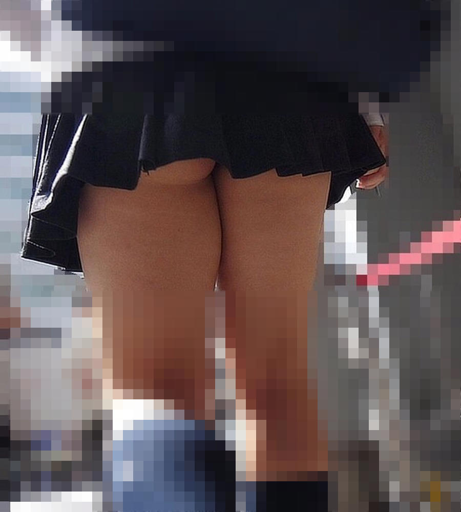 甘酸っぱい桃の香りがする女子高生のお尻街撮り画像wwwwwwwwww 1832
