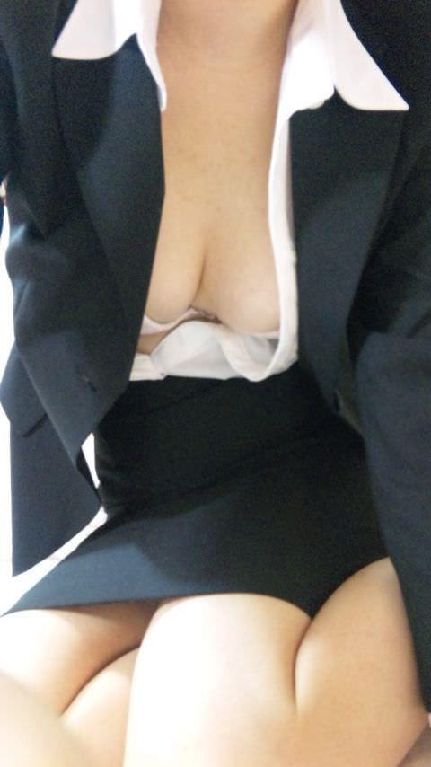 職場の美人OLと不倫してます!スタイル抜群で好きすぎてキスが止まらない!!ハメ撮りしちゃいました!!! 1861