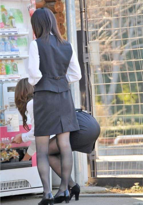 はちきれそうなお尻がむっちりしたスーツのOLさんを街撮り激写!!!!!!!!!!!! 2033