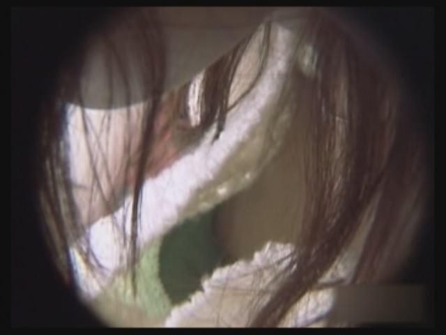 有名デパートで働く清楚なお姉さん店員の胸チラ盗撮だぁーwwwたまに乳首見えちゃってるチラリズムエロすぎーwww 2260