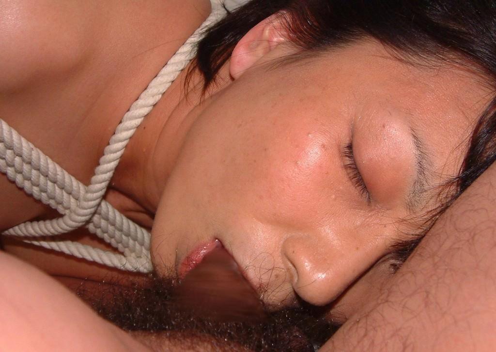 ドスケベ妻の生フェラ画像!!ジュポンジュポン唾液ローションで舐め回す!!!! 2829
