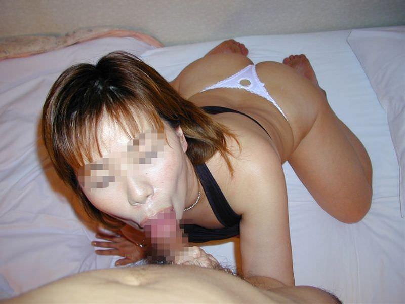 ドスケベ妻の生フェラ画像!!ジュポンジュポン唾液ローションで舐め回す!!!! 2835