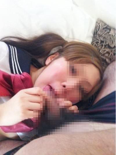 ドスケベ妻の生フェラ画像!!ジュポンジュポン唾液ローションで舐め回す!!!! 2853