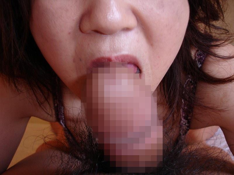 ドスケベ妻の生フェラ画像!!ジュポンジュポン唾液ローションで舐め回す!!!! 2854
