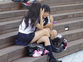 脱衣所で盗撮されたの10代女子校生がミニスカやのになんでノーパンの画像