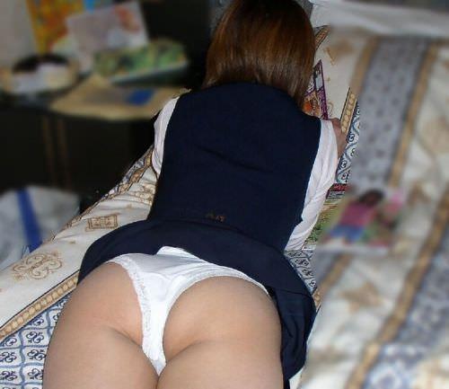 寝てる姉ちゃんや彼女のパンツ写メった家庭内の生々しい素人エロ画像だぁーwww 0426