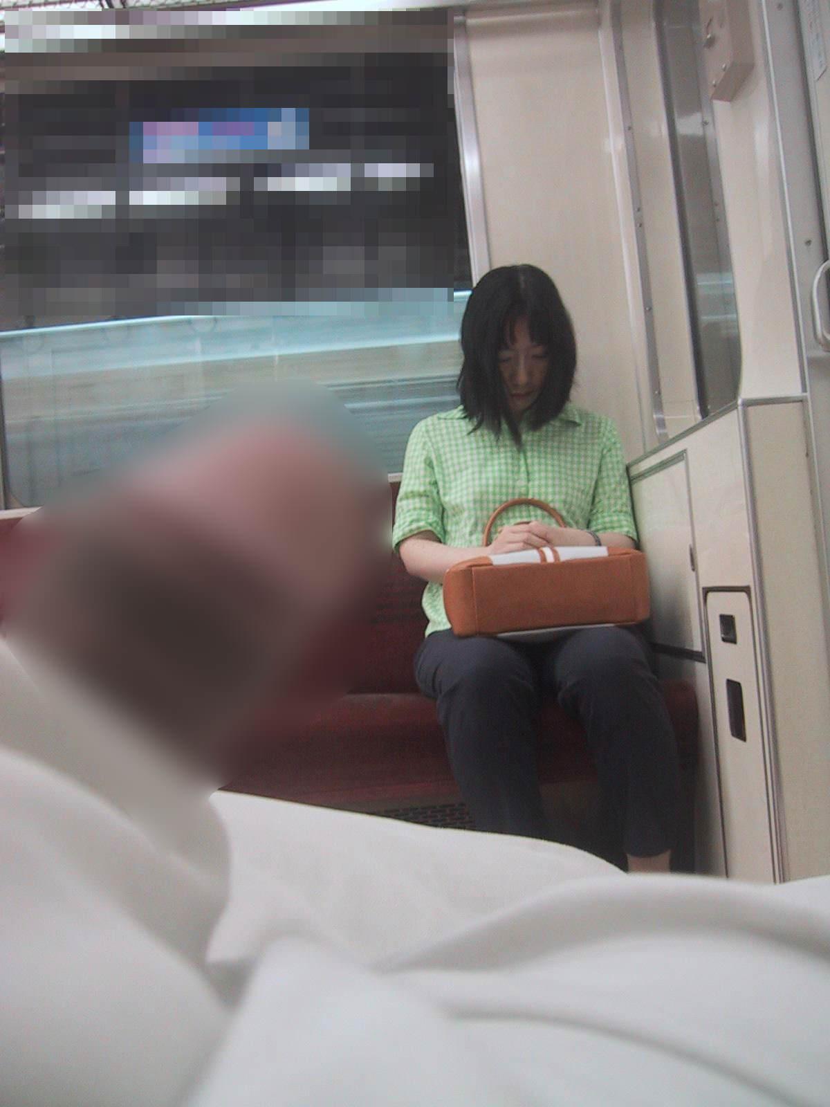 電車でちんこ出して痴漢するガチでヤバい奴現るwwwwwwwwww 0662