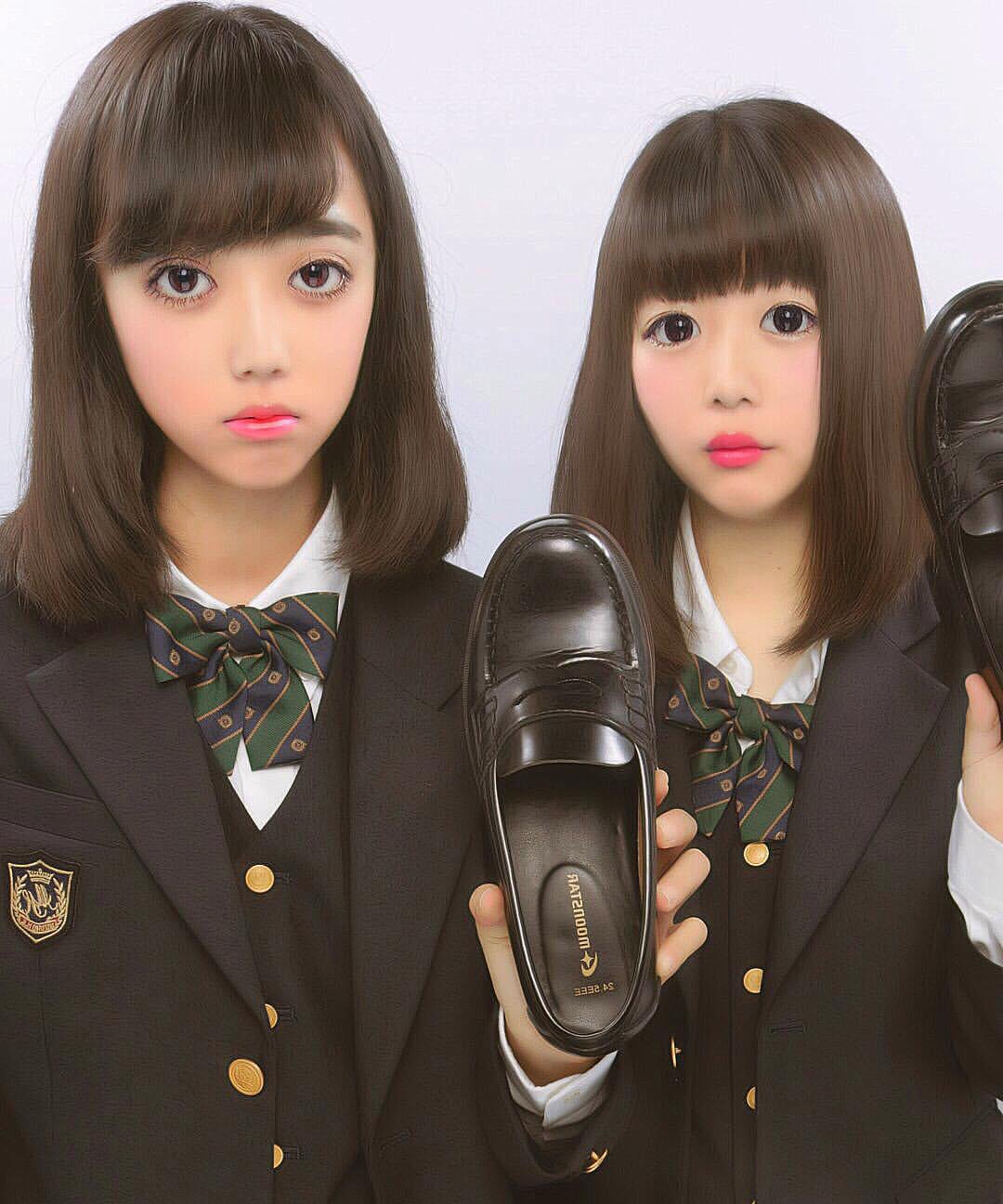 女子高生の靴の匂いが好きなやつwwww履き込んで臭くなったJKの靴画像うpするwwwww 1812271615572938