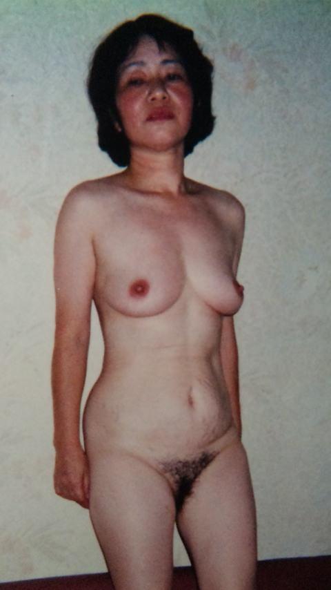 50代熟女でも衰えないセクシーボディの全裸エロ画像wwwwwwww 3005