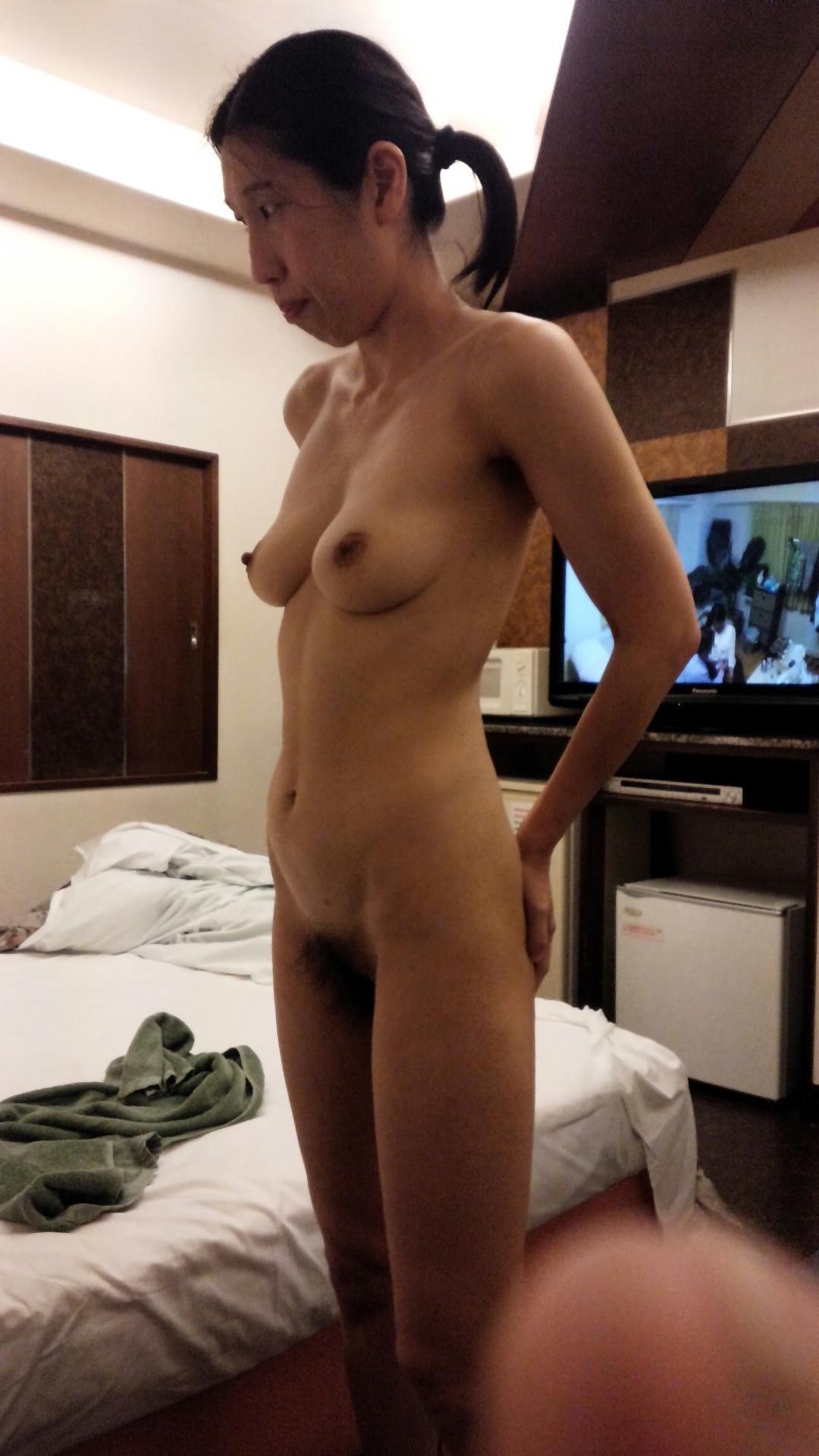 50代熟女でも衰えないセクシーボディの全裸エロ画像wwwwwwww 3006