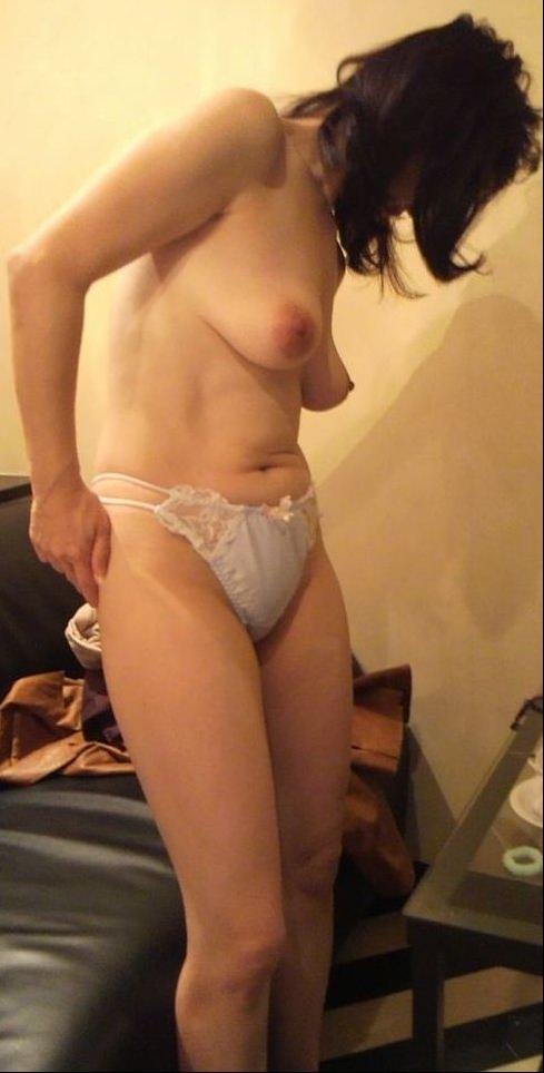 50代熟女でも衰えないセクシーボディの全裸エロ画像wwwwwwww 3021