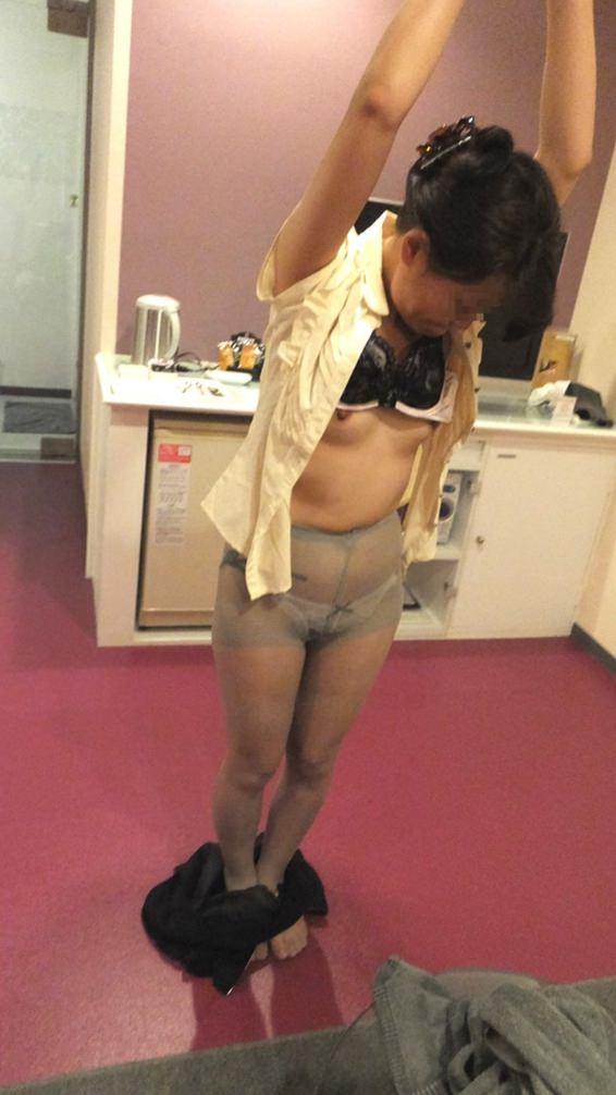 50代熟女でも衰えないセクシーボディの全裸エロ画像wwwwwwww 3038