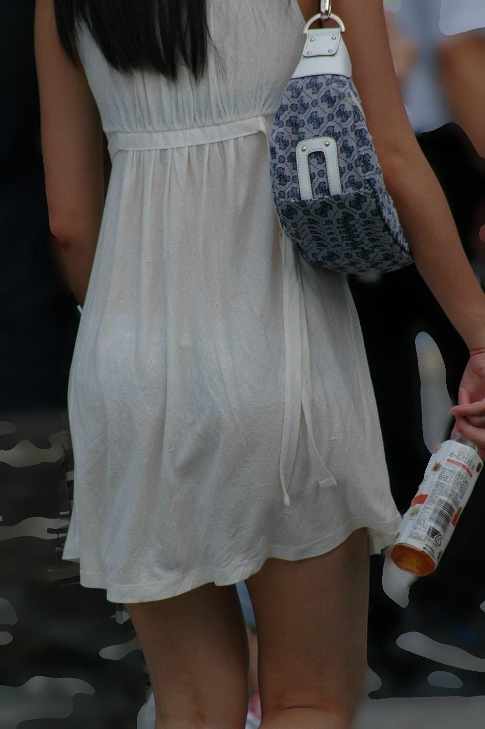 街で女のお尻を直視するのがワイの嗜み!高確率で透けパンツに出会えるぞぉーwww 1144