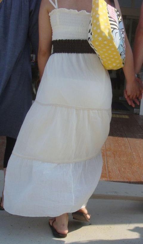 街で女のお尻を直視するのがワイの嗜み!高確率で透けパンツに出会えるぞぉーwww 1149