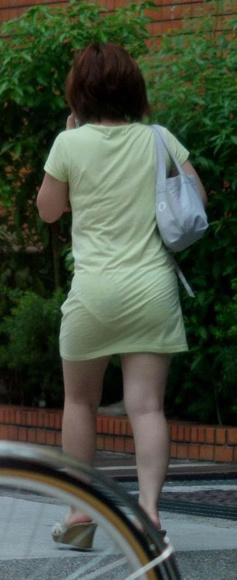 街で女のお尻を直視するのがワイの嗜み!高確率で透けパンツに出会えるぞぉーwww 1152