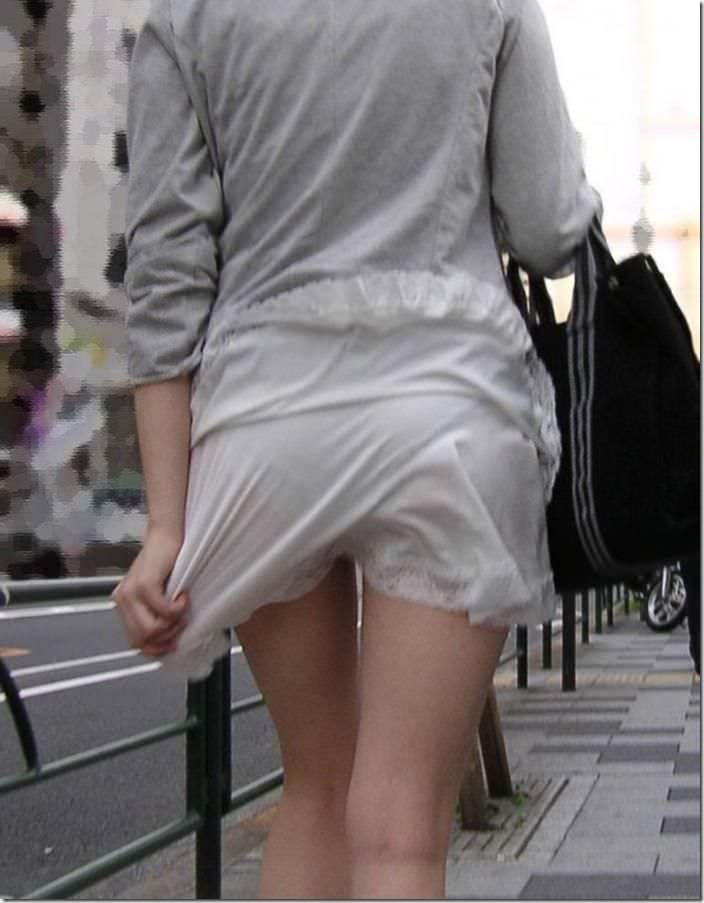 街で女のお尻を直視するのがワイの嗜み!高確率で透けパンツに出会えるぞぉーwww 1166