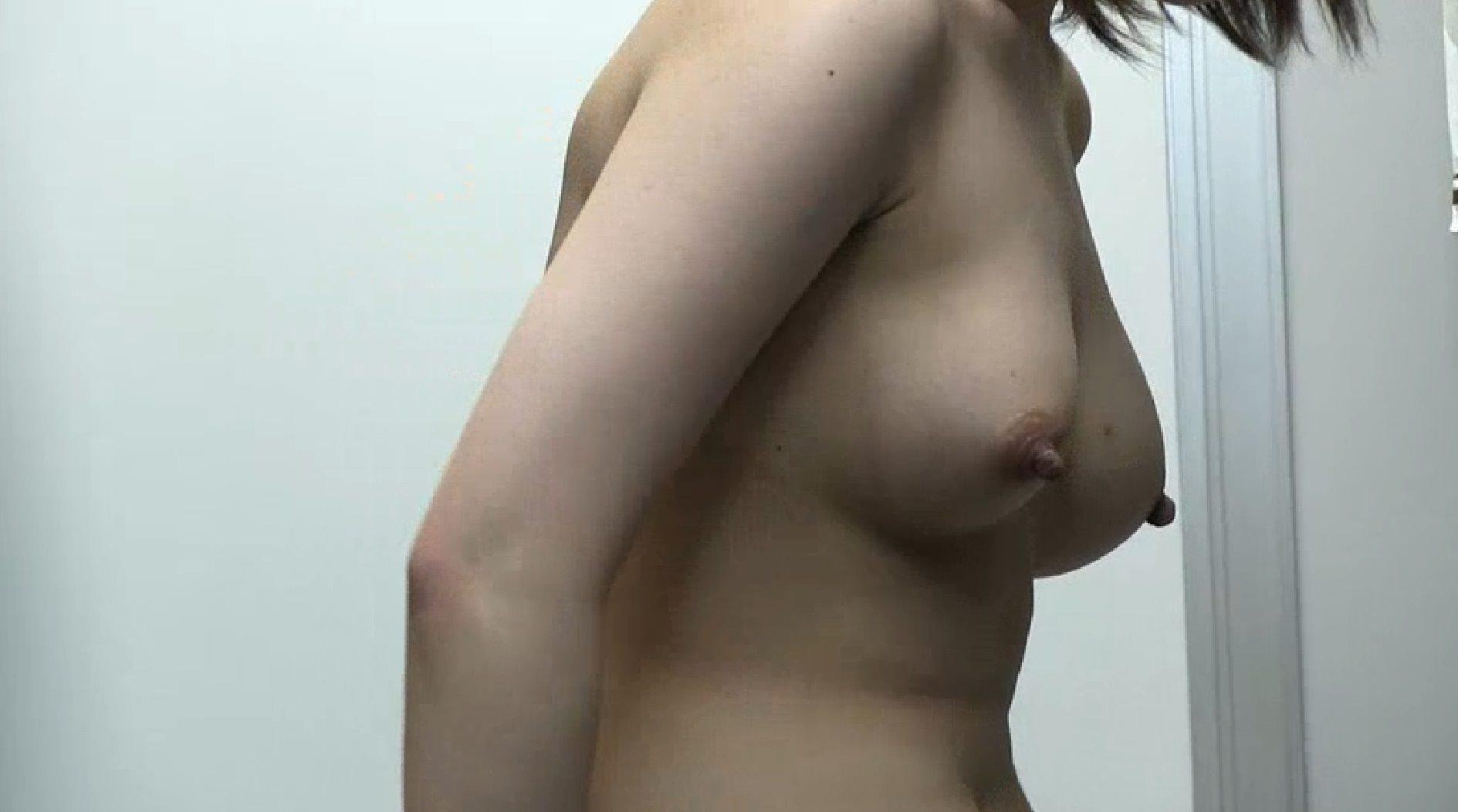 女子更衣室でお着替えするOLを隠し撮りしたエロ画像 0706
