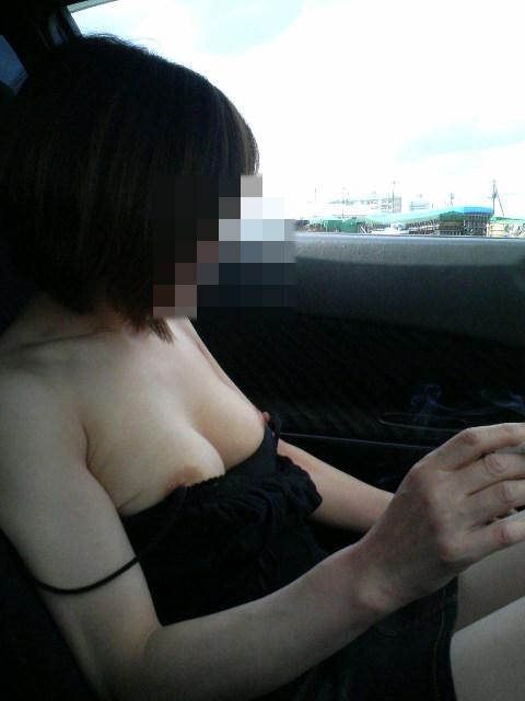 カップルがカーセックスしてる姿を若気の至りで写真撮影wwww 0808