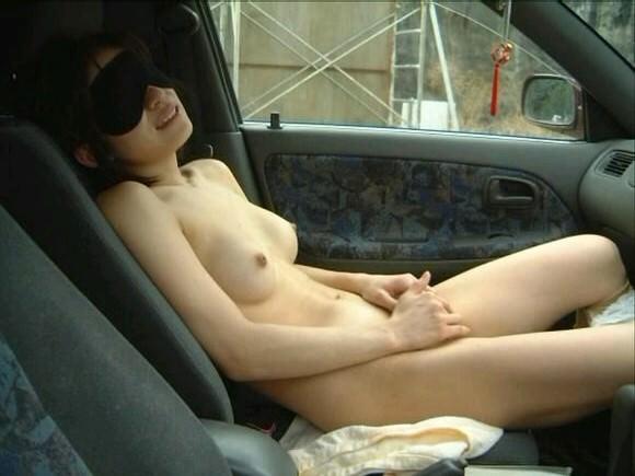 カップルがカーセックスしてる姿を若気の至りで写真撮影wwww 0828