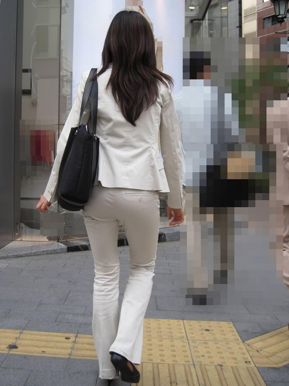 お尻のラインがくっきりハッキリしてる街撮り画像!!!!!!!! 2503