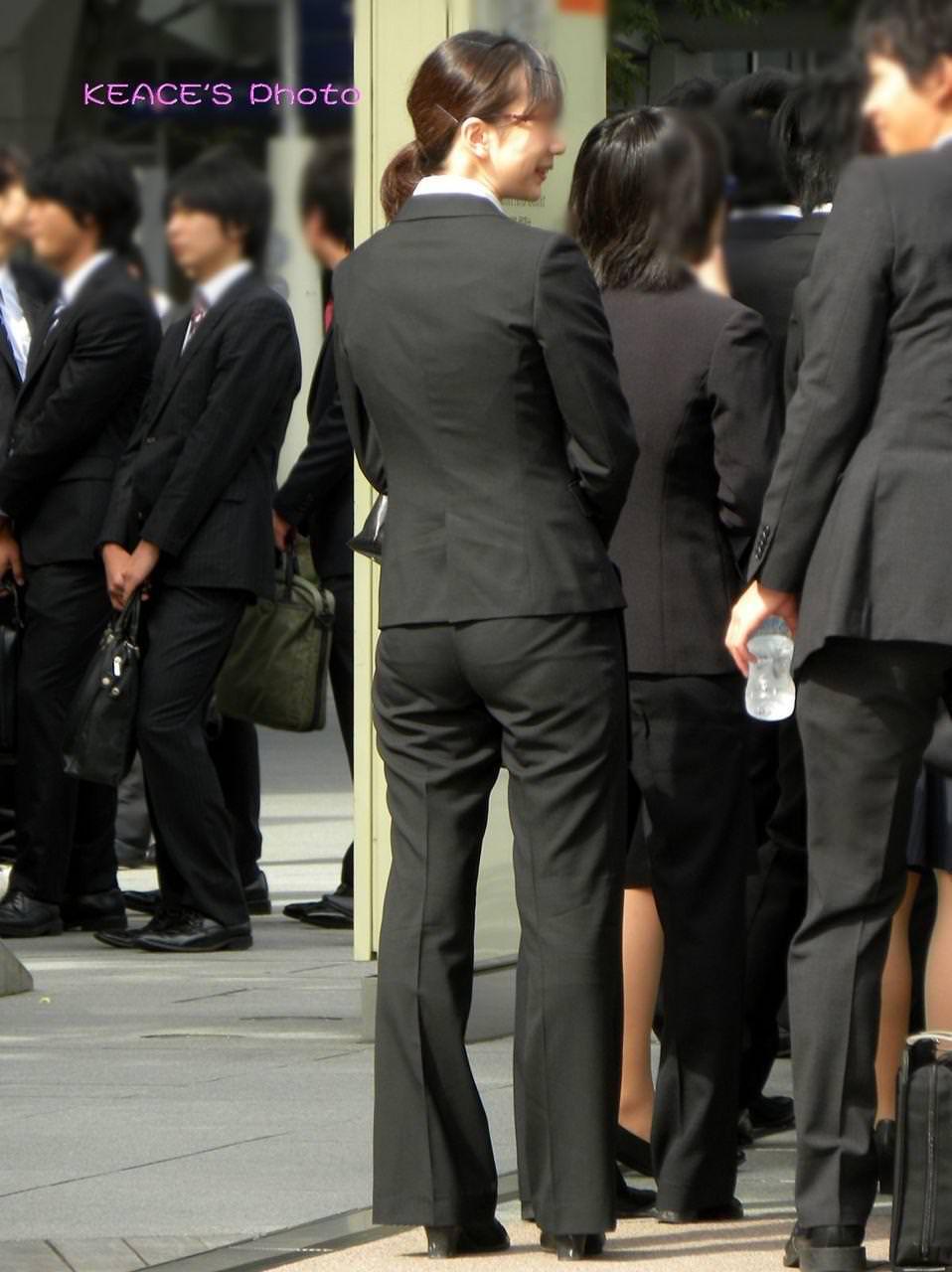 お尻のラインがくっきりハッキリしてる街撮り画像!!!!!!!! 2507