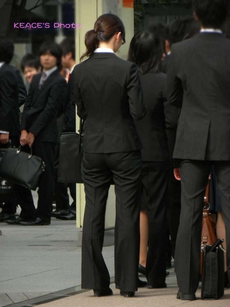 お尻のラインがくっきりハッキリしてる街撮り画像!!!!!!!! 2508