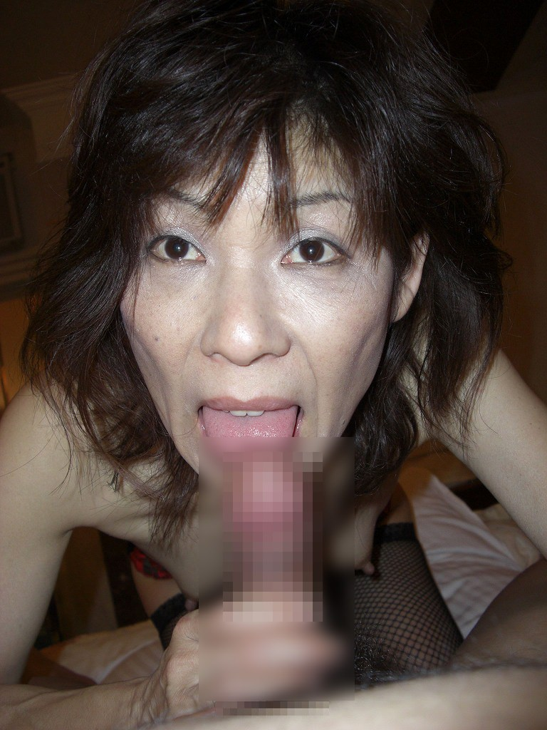 30代人妻の100点満点のスケベフェラ顔画像wwwwwwwwww 1119