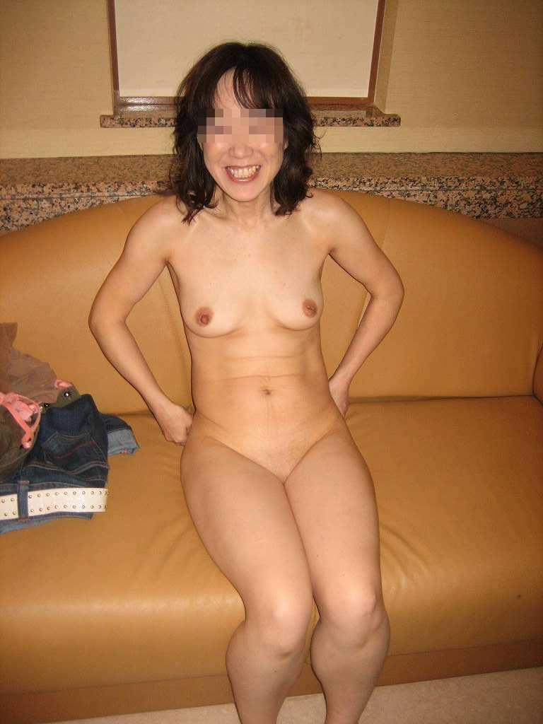 熟女の崩れた裸体ってホントえっちだよなぁーwww50代ポッチャリ系おばさんのエロ画像 1106