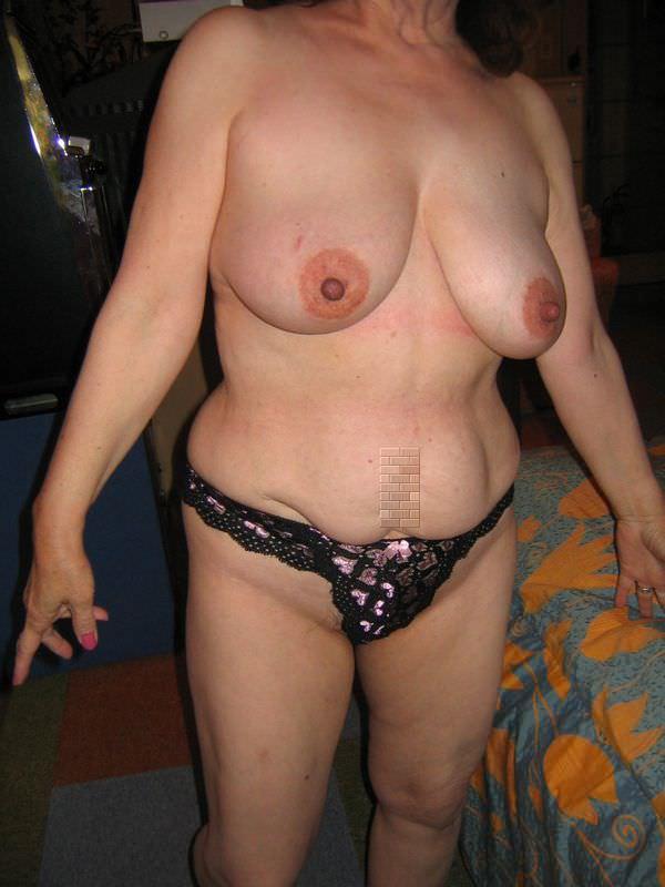 熟女の崩れた裸体ってホントえっちだよなぁーwww50代ポッチャリ系おばさんのエロ画像 1129