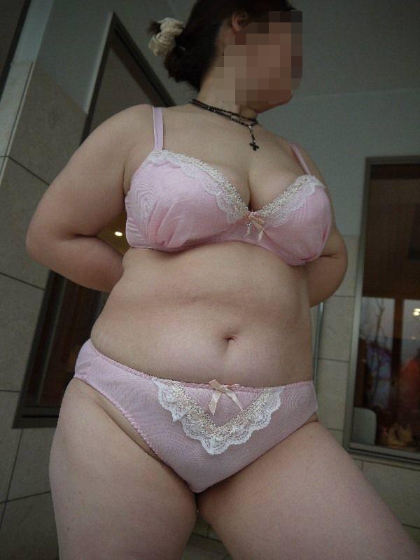 熟女の崩れた裸体ってホントえっちだよなぁーwww50代ポッチャリ系おばさんのエロ画像 1143