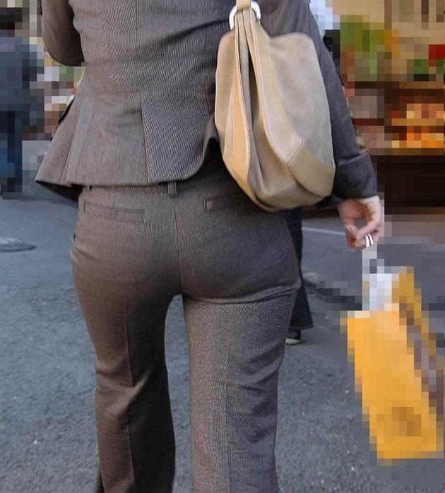 素人女性のお尻って着衣尻が一番魅力的だと思うよな??????????????? 3MfcKQR