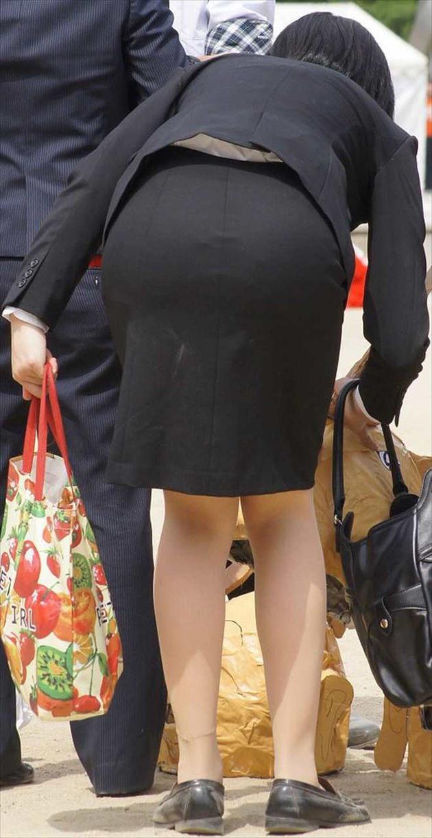 素人女性のお尻って着衣尻が一番魅力的だと思うよな??????????????? A3B2aV5