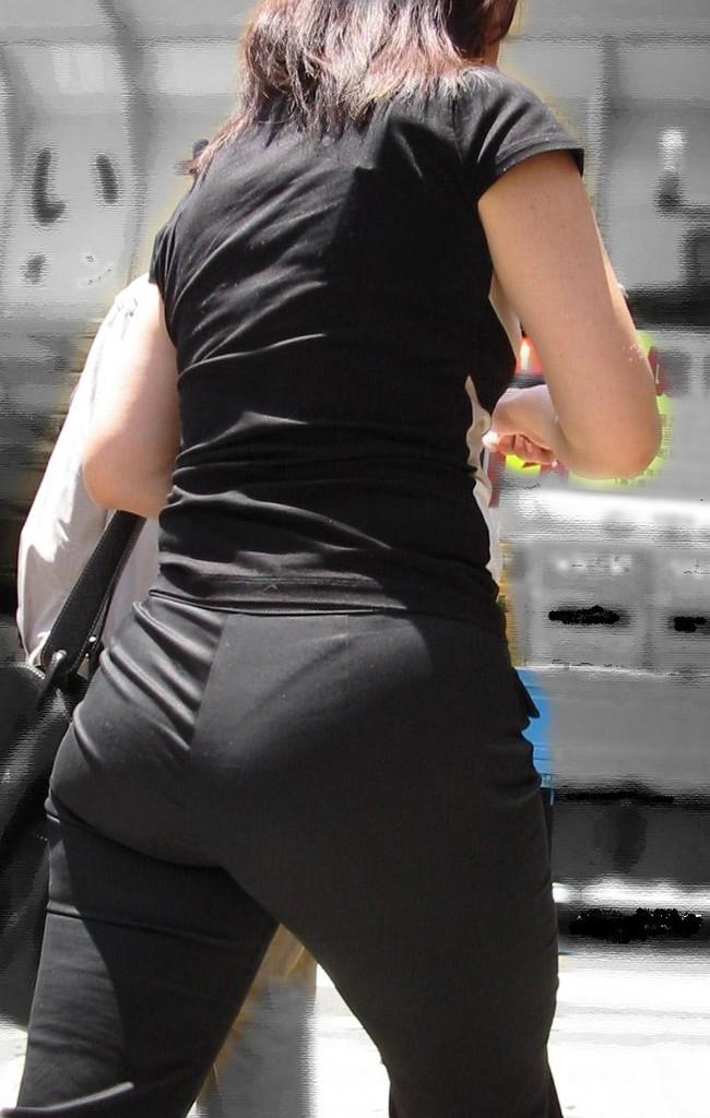 素人女性のお尻って着衣尻が一番魅力的だと思うよな??????????????? JXwPmrP