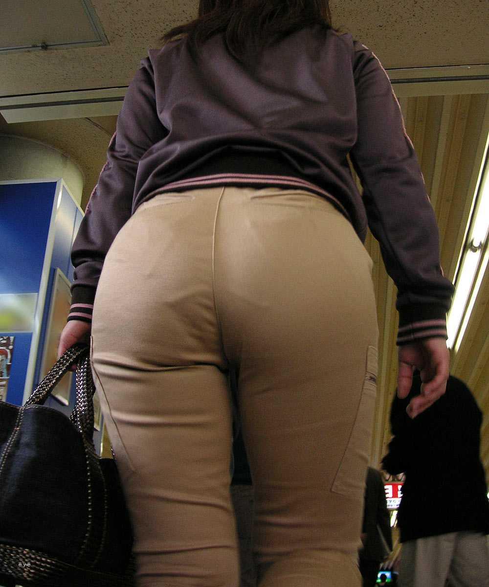 素人女性のお尻って着衣尻が一番魅力的だと思うよな??????????????? KUQbZPF