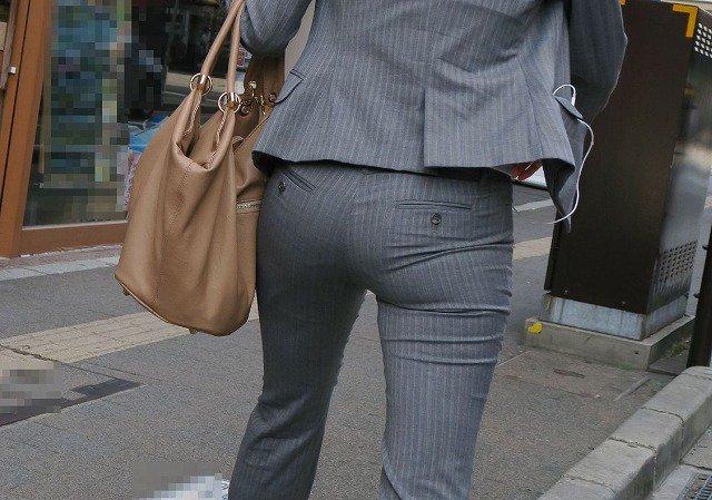 素人女性のお尻って着衣尻が一番魅力的だと思うよな??????????????? Y75uXph