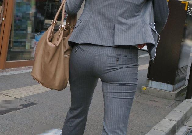素人女性のお尻って着衣尻が一番魅力的だと思うよな??????????????? YVqsO1P