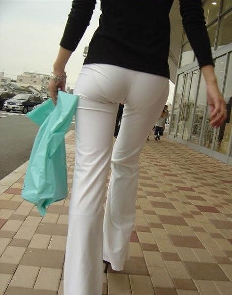素人女性のお尻って着衣尻が一番魅力的だと思うよな??????????????? gaLRR71