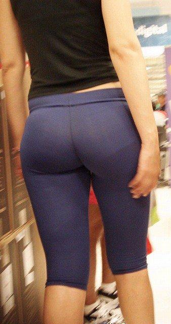 素人女性のお尻って着衣尻が一番魅力的だと思うよな??????????????? hmr86lU