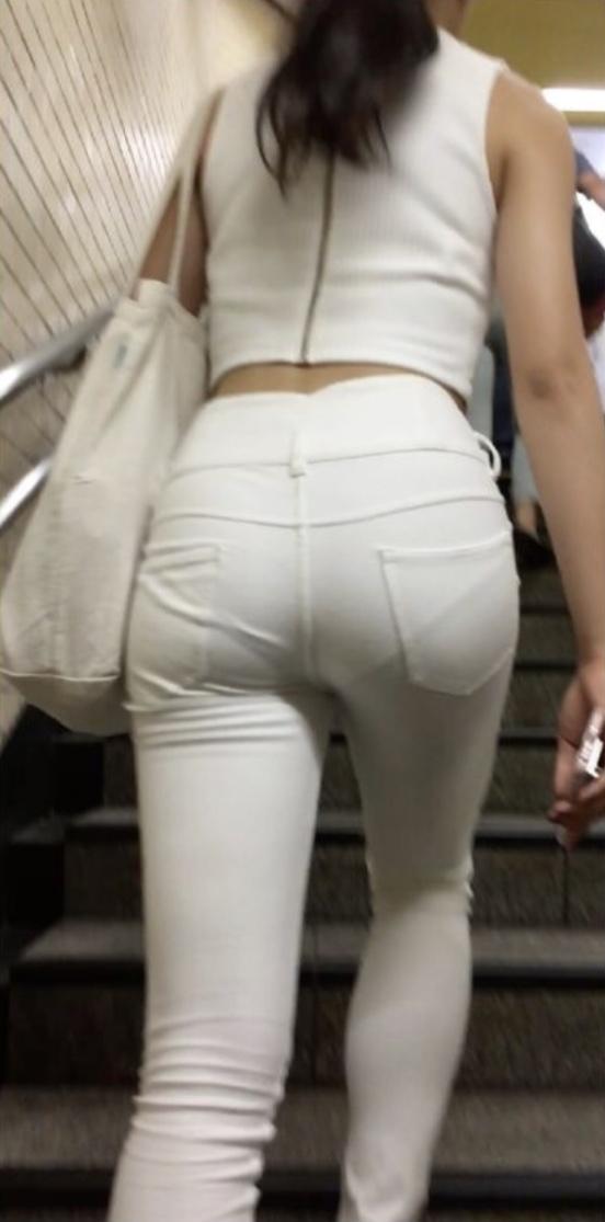 素人女性のお尻って着衣尻が一番魅力的だと思うよな??????????????? l1zjl7H