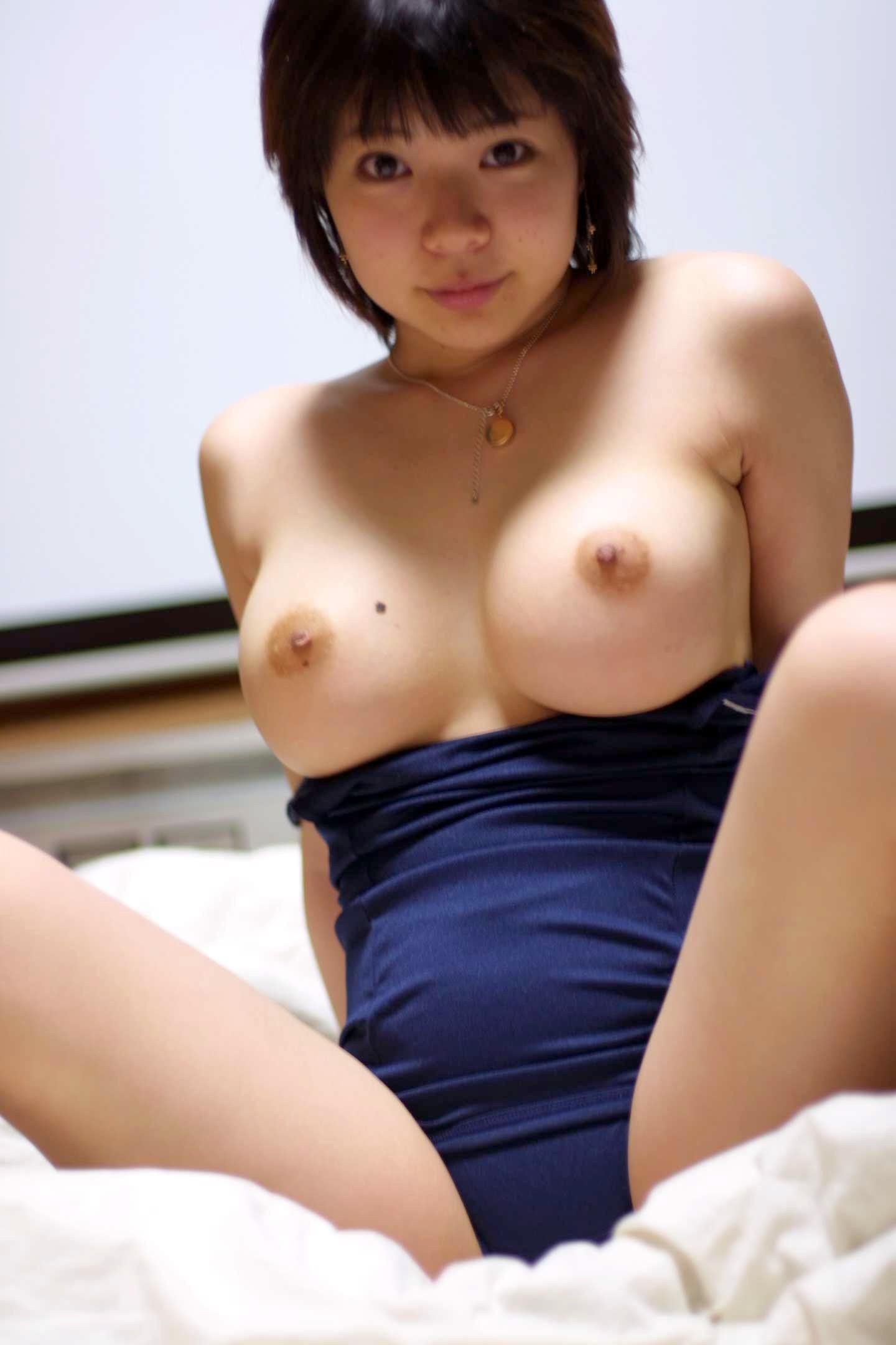 ショートカットでおっぱい巨乳の女子wwwwwwwwwwwwwwwww 5k01225