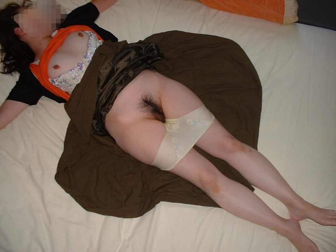 酔った勢いでラブホに連れ込んだ熟睡中の女を脱がして悪戯しました!!!! 0257