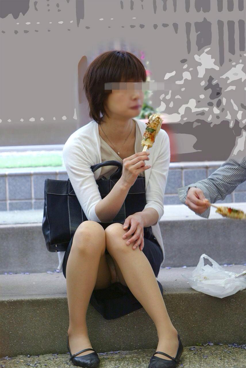 公園でのパンチラ率高すぎーwww可愛いお姉さんのパンツ見放題!!! 2450