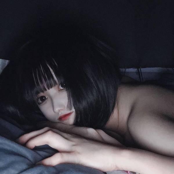 ムラムラして裸で寝てる即ハボJKwwwwwwwwwwwwwww fGirJKV