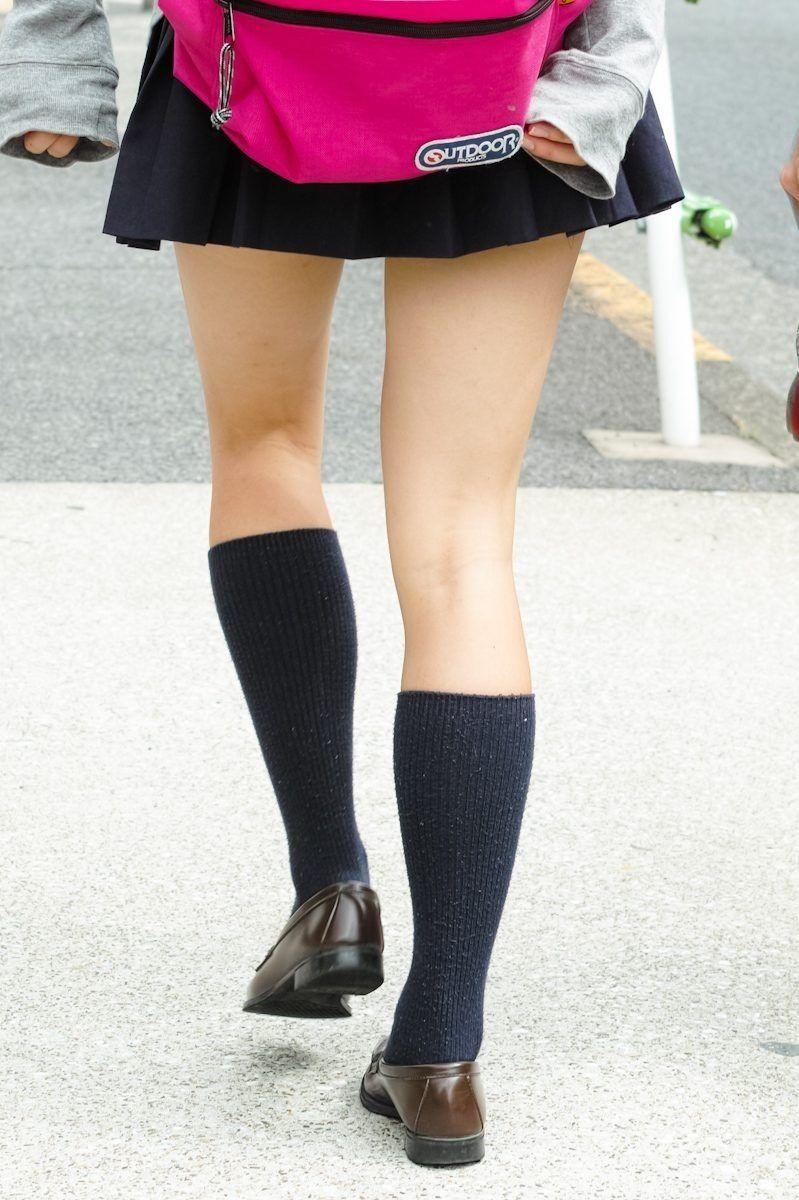 女子高生が大好きな変態紳士が厳選したJKエロ画像!!!!!!!!!! 4xJTYvh