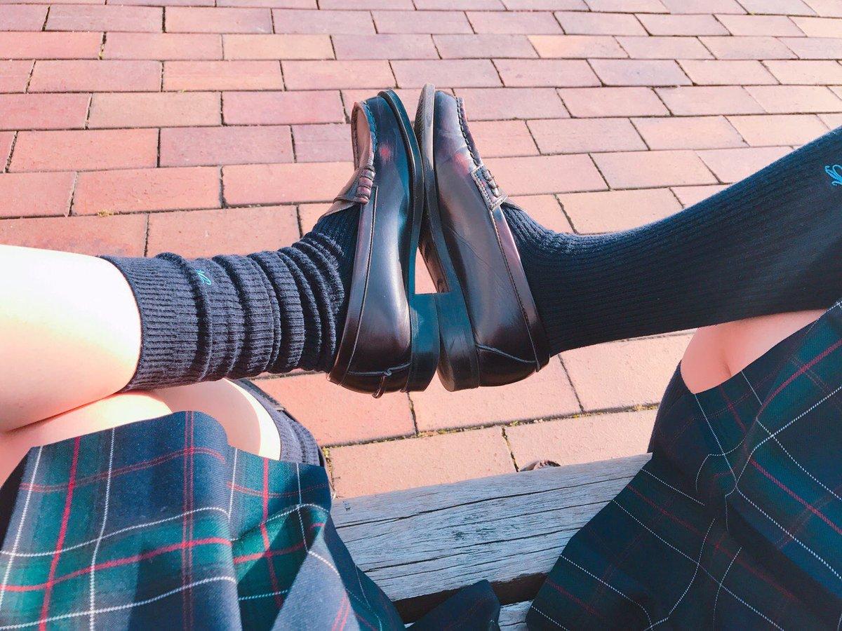 女子高生が大好きな変態紳士が厳選したJKエロ画像!!!!!!!!!! BXeyL01