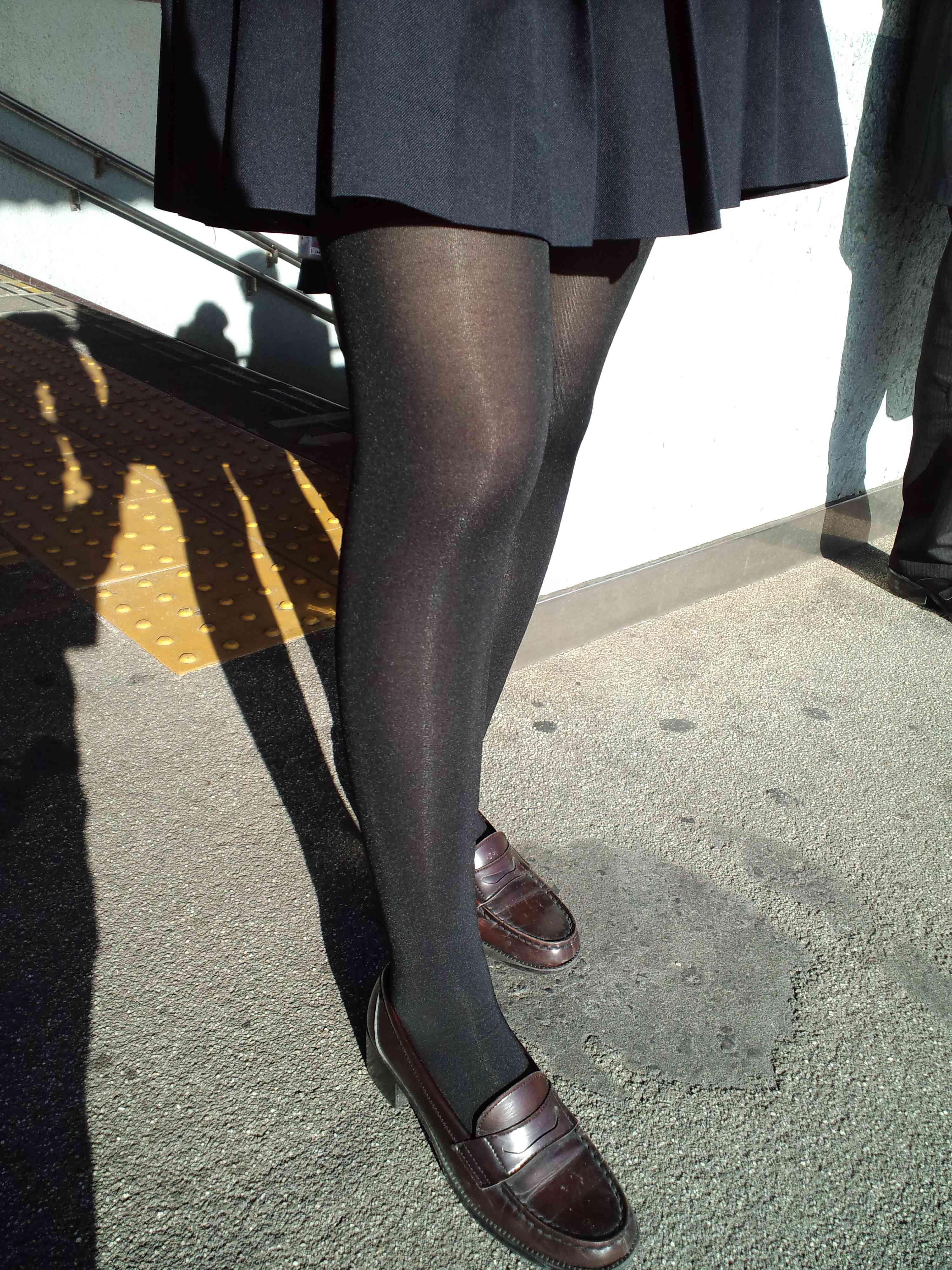 女子高生が大好きな変態紳士が厳選したJKエロ画像!!!!!!!!!! cN7Jhn1