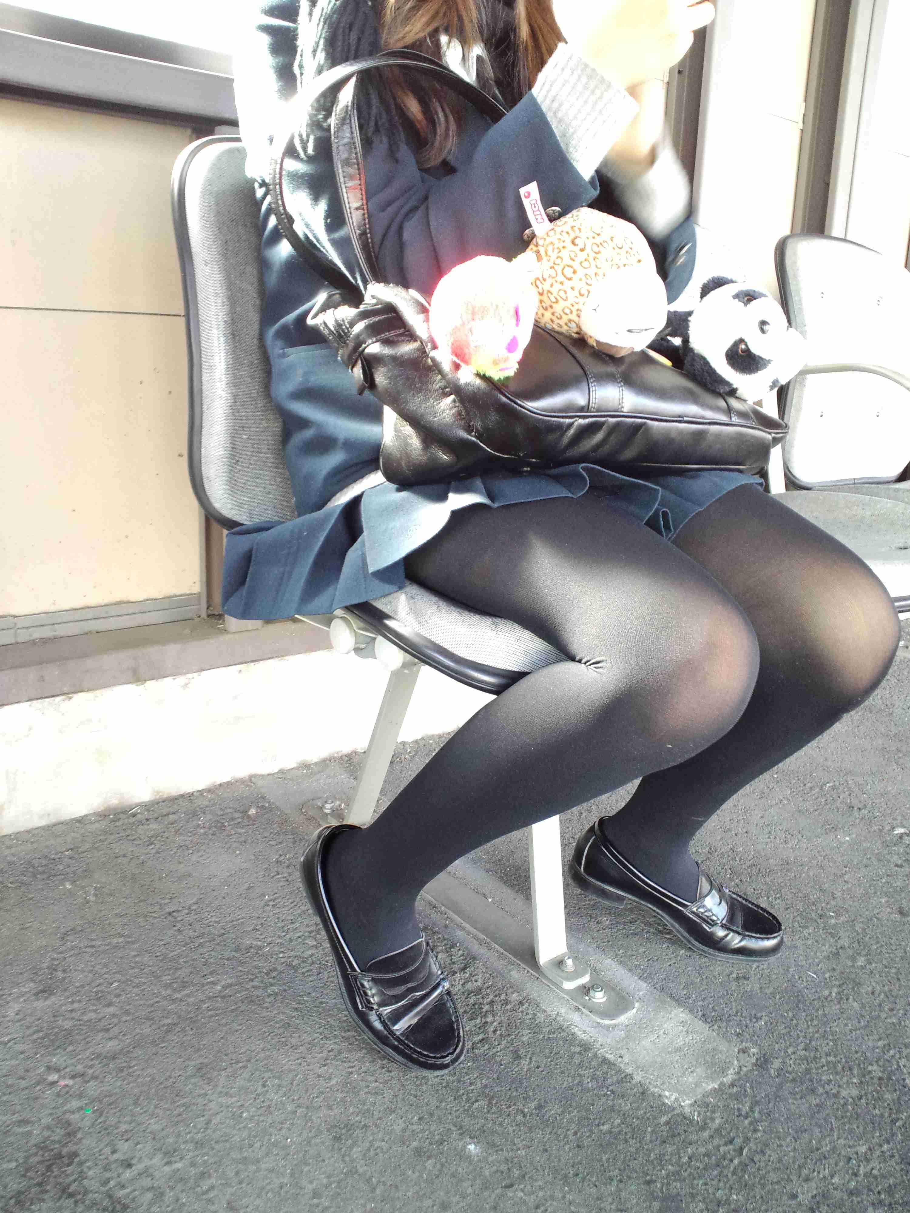 女子高生が大好きな変態紳士が厳選したJKエロ画像!!!!!!!!!! ghNK73A